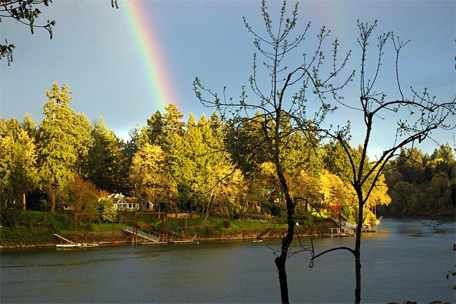 Lake Oswego Rainbow (Photo courtesy YouNews contributor: starspics)