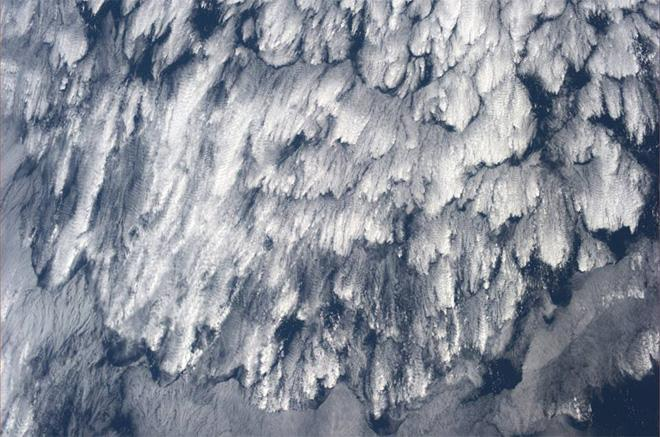 Seeing nature in nature...feather clouds over the South Pacific.  (Photo & Caption: Karen Nyberg, NASA)