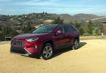 PHOTO GALLERY: 2019 Toyota RAV4