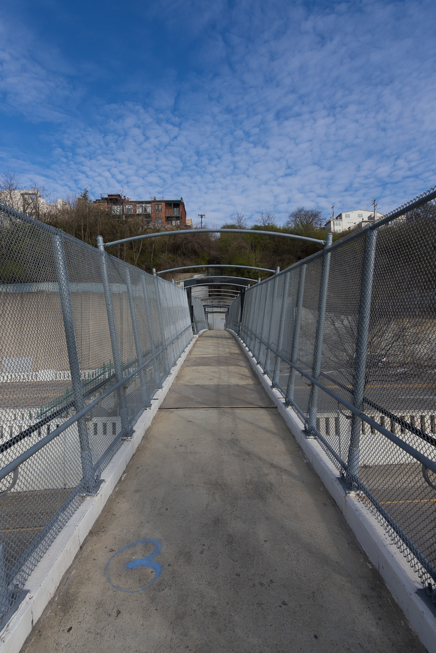 The pedestrian bridge over Columbia Parkway / Image: Phil Armstrong, Cincinnati Refined // Published: 4.13.18