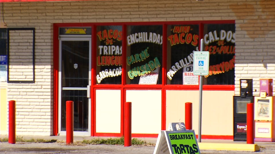 This restaurant has the menu on its windows (News 4 San Antonio).<p></p>