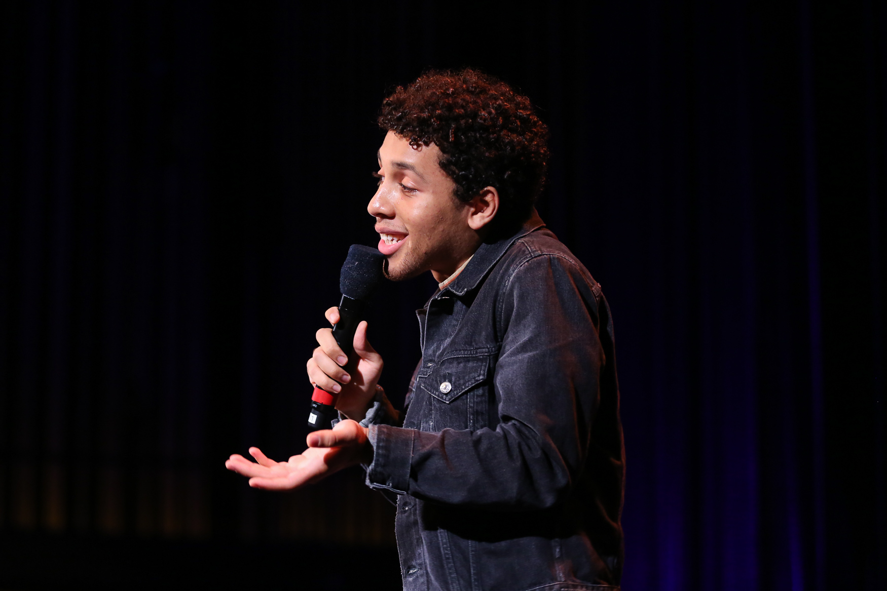 Jaboukie Young-White, a correspondent for The Daily Show, performed at The Bentzen Ball on October 28. (Amanda Andrade-Rhoades/DC Refined)