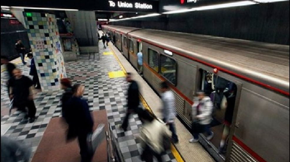 Cheaters beware la subway honor system could end kbak for Metro motors bakersfield ca