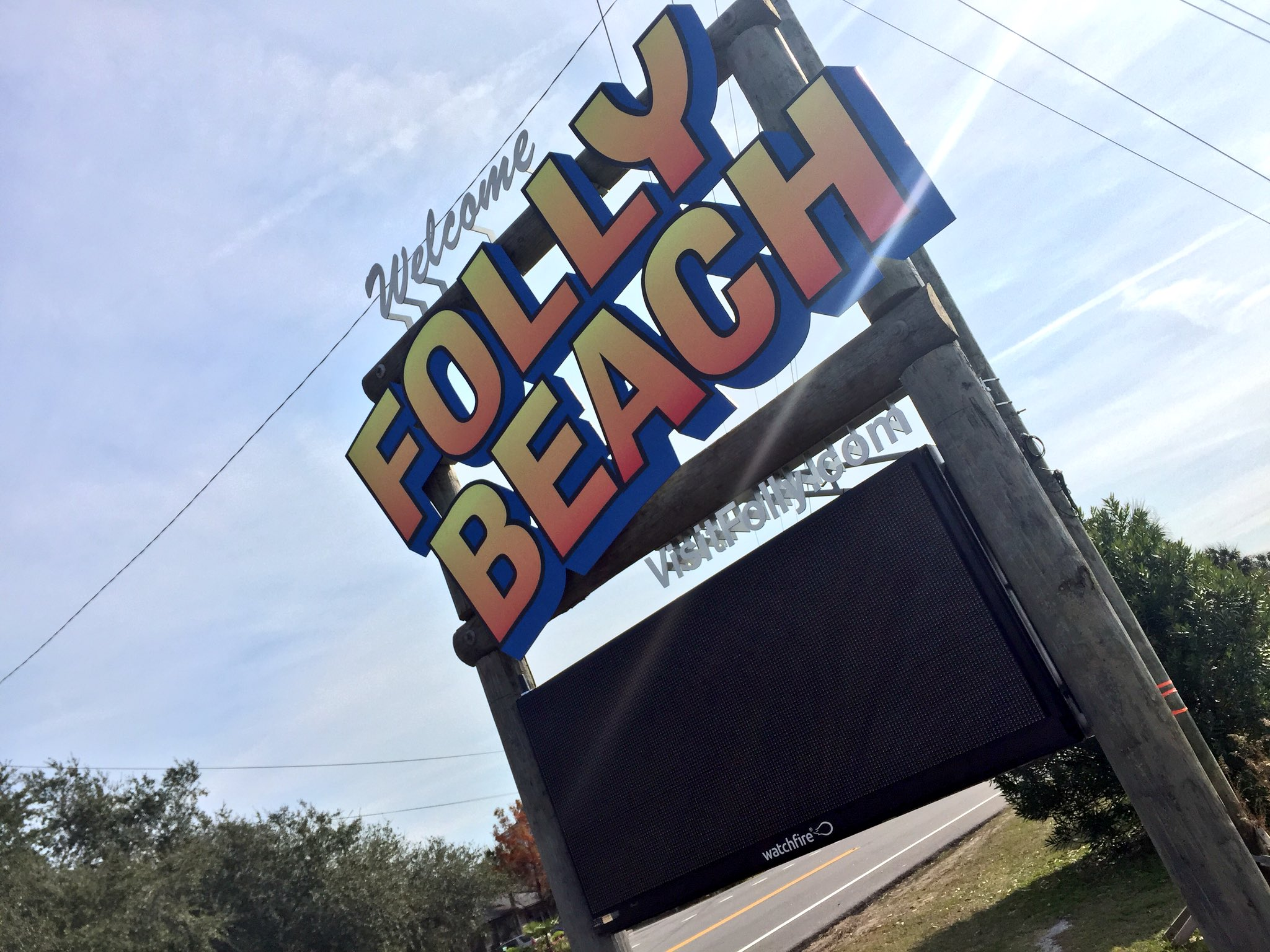 New Folly Beach Welcome Sign (Caroline Balchunas/WCIV)