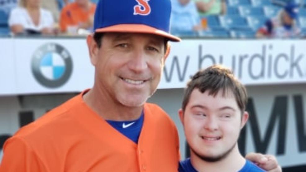 """SuperFan: Zach Motondo is Syracuse Mets """"Fan of the Year"""""""