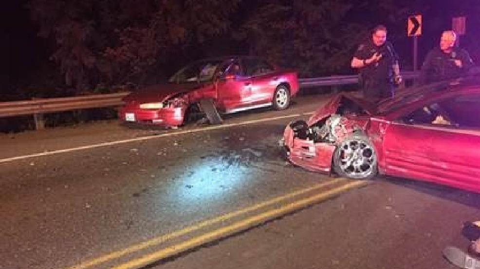 Two-car crash shuts down Kent-Des Moines Road | KOMO