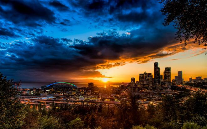 Gorgeous sunset we had tonight! Shot this from Jose Rizal Park in Seattle. (Photo: Sigma Sreedharan Photography)