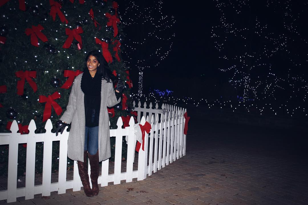 Image: IG user @officialmayra_ / Post: Bringing in the #HolidaySeason / Published: 12.17.16