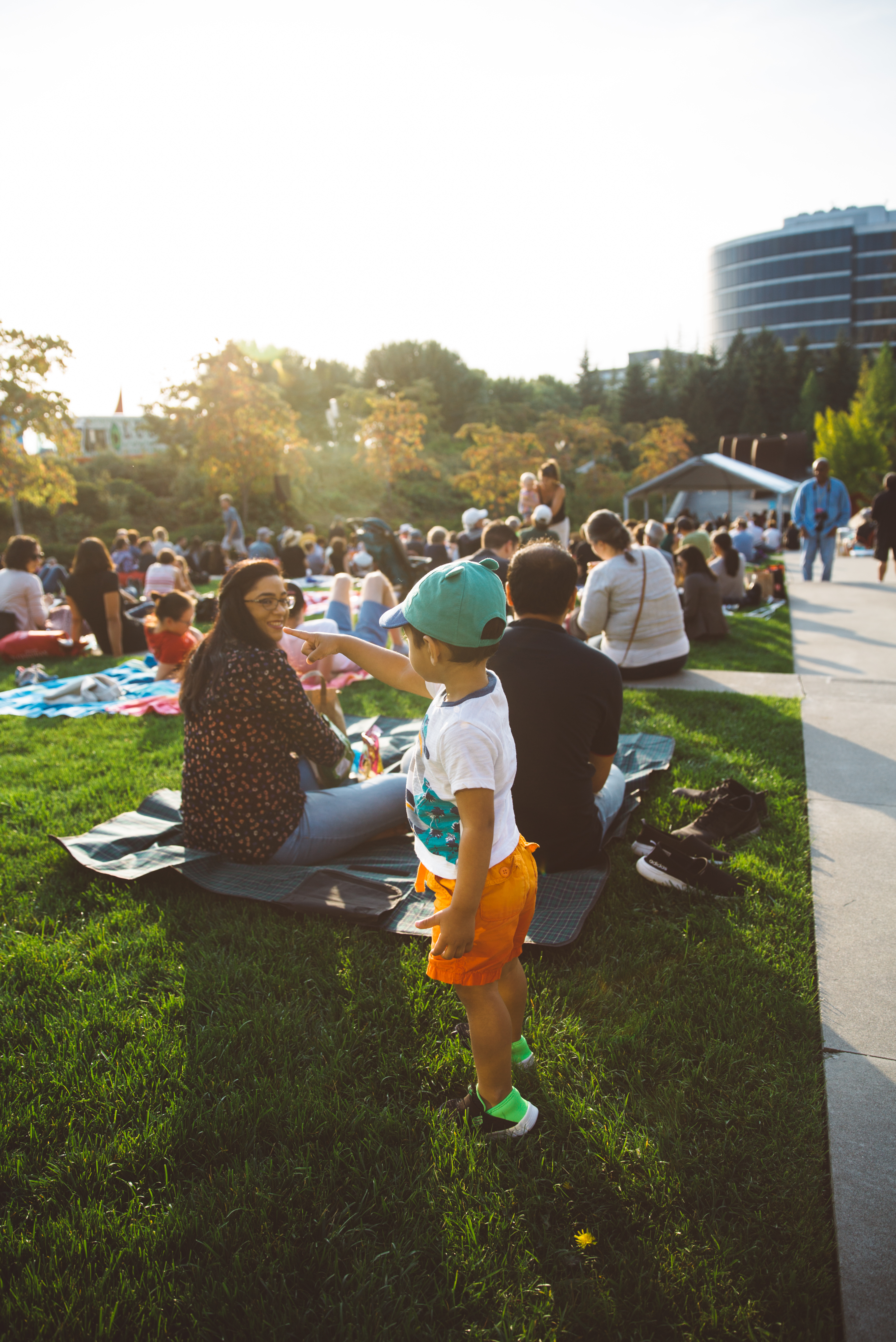The smoke of the past couple days lifted just in time for 'Summer at SAM' to have a proper closing celebration, complete with arts, crafts, activities, food trucks, and a kids corner. (Image: Ryan McBoyle / Seattle Refined)