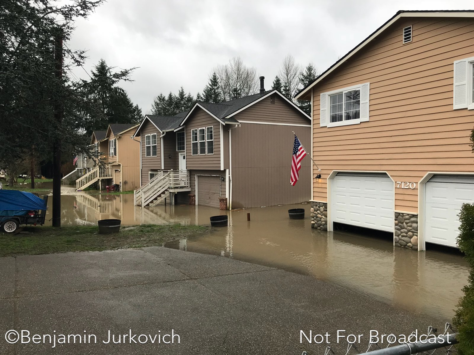Pilchuck River is flooding homes on Sexton Road in Snohomish Wa (Photo: Benjamin Jurkovich, used with permission)