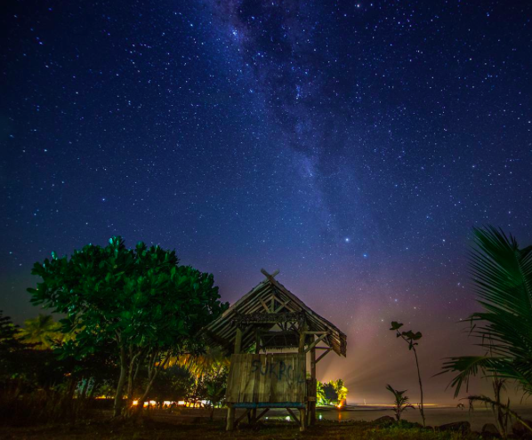 IMAGE: IG user @igedejaya_photography / POST: july, musimnya milkyway  loc :anyer, banten, indonesia use nikon D60