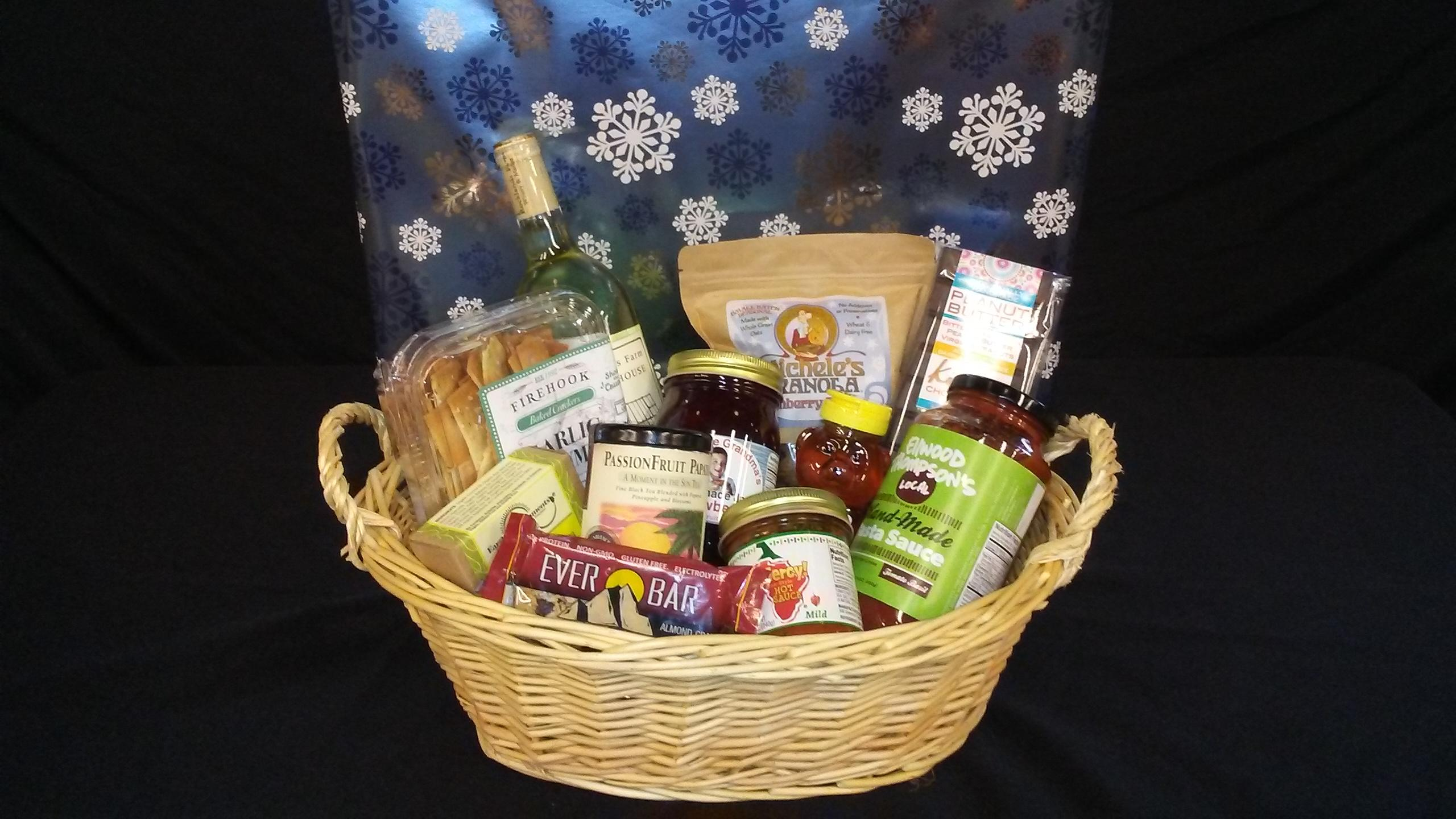 Meet the Locals Gift Basket from Dawson's Market // Price: $89.99 // Buy in store // www.dawsonsmarket.com // (Image: Dawson's Market)