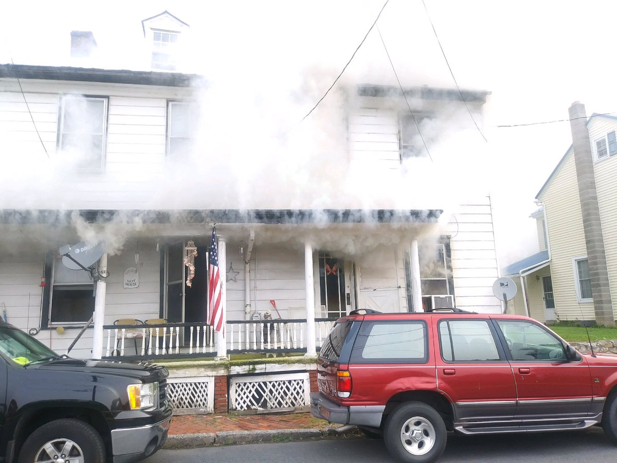 Two die in early morning fire, family members attempted rescue