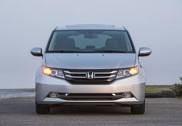 Honda recalls 900,000 Odyssey minivans; 2nd row seat may tip