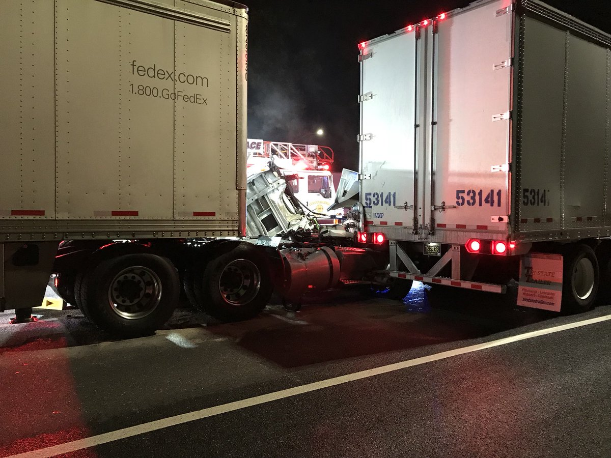 Major delays on SB I-95 near Tydings Bridge after tractor trailers collide (Credit: Susquehanna Fire Co.)