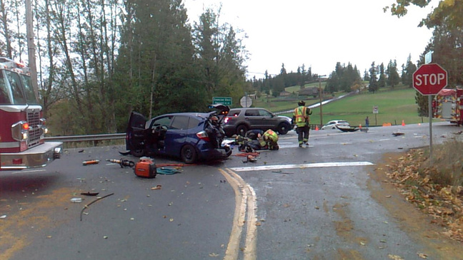 4-year-old airlifted, mom injured as cars collide near Enumclaw