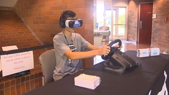 Simulator course teaching teens dangers of distracted driving