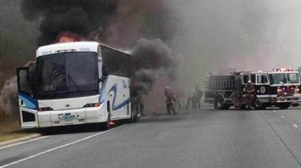 Baltimore washington pkwy reopens after bus catches fire for Route 1 motors inc laurel md