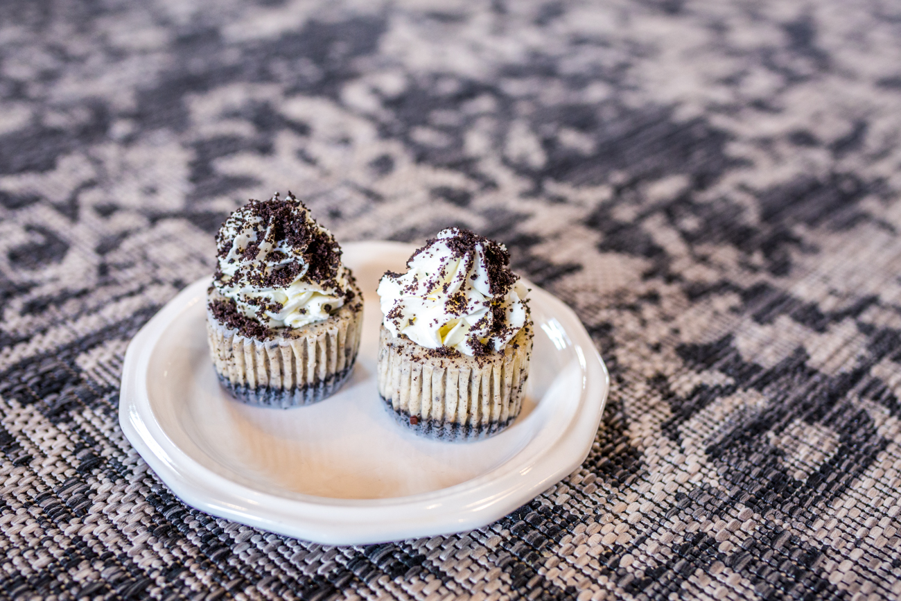 Oakley Oreo cheesecake cupcake / Image: Catherine Viox // Published: 8.1.19