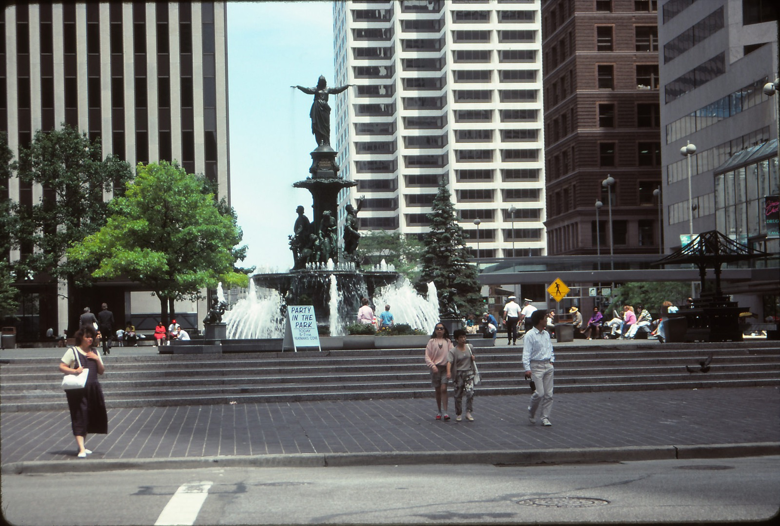 Fountain Square, Downtown / Image courtesy of Flickr user mplstodd{ }// Published: 3.12.18