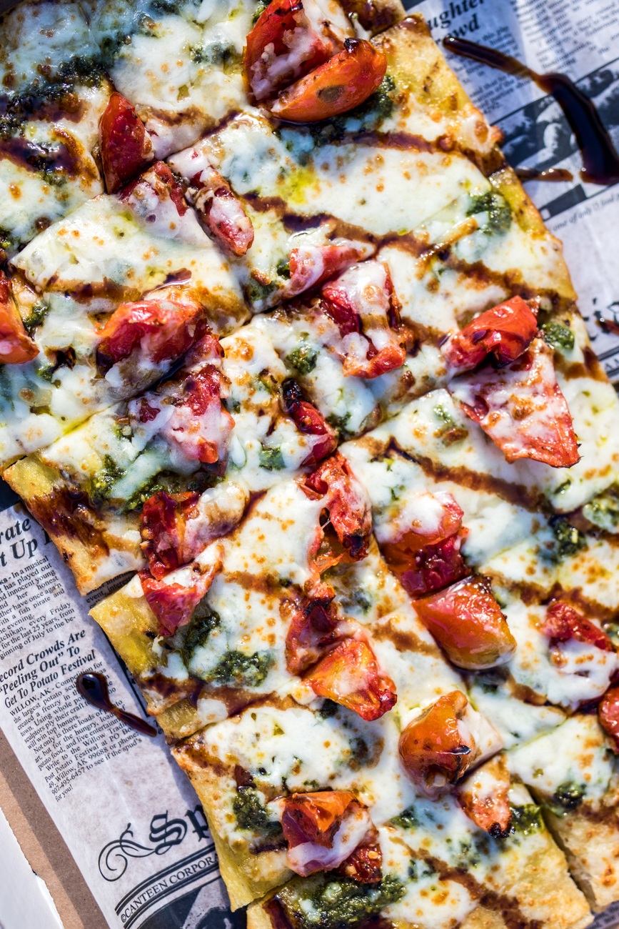 Margherita Flatbread from AC Upper Deck / Image: Catherine Viox // Published: 9.8.20