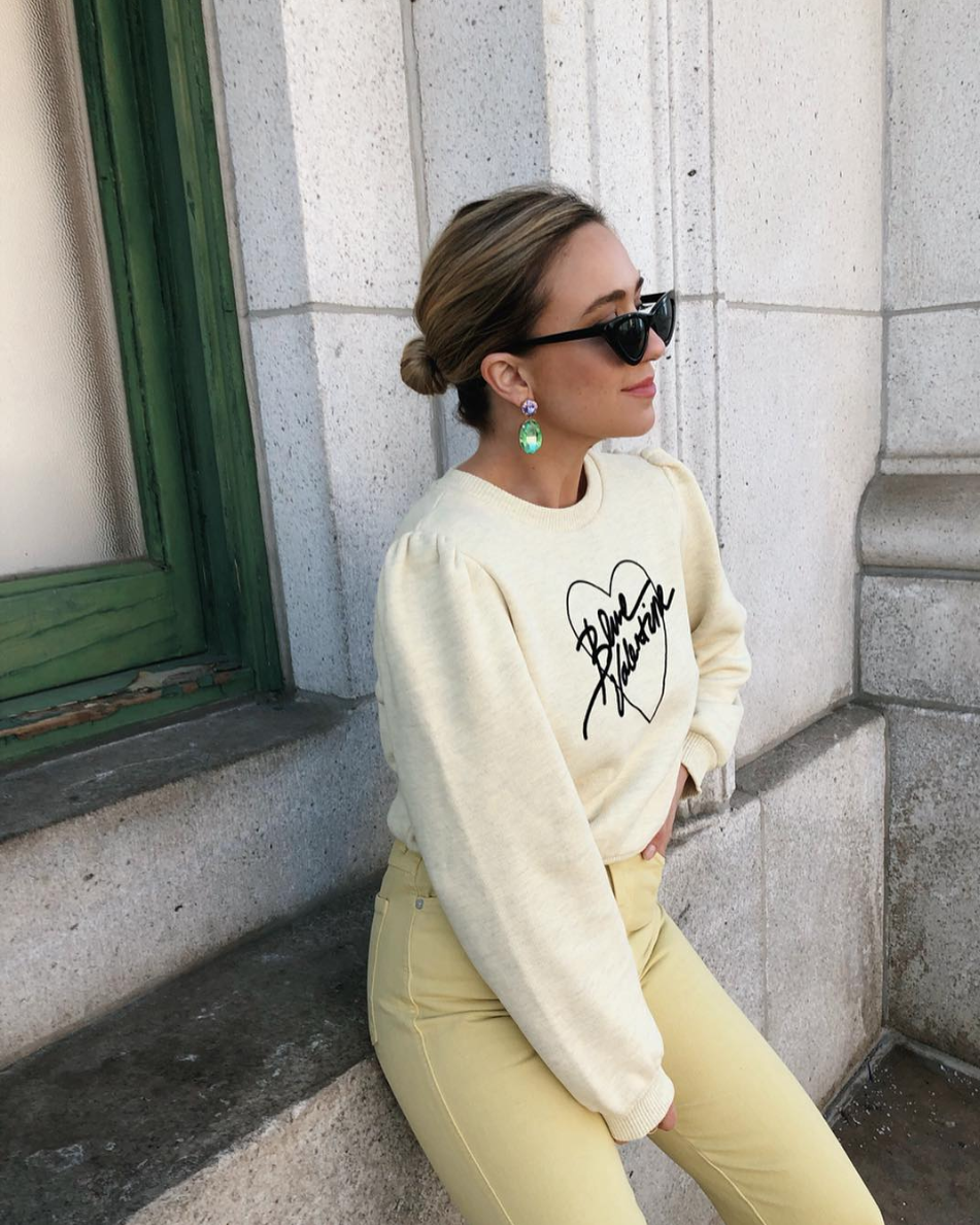 Yellow is having a moment in 2019 and we firmly believe there's a shade for everyone. (Image via @thefashionablybroke)