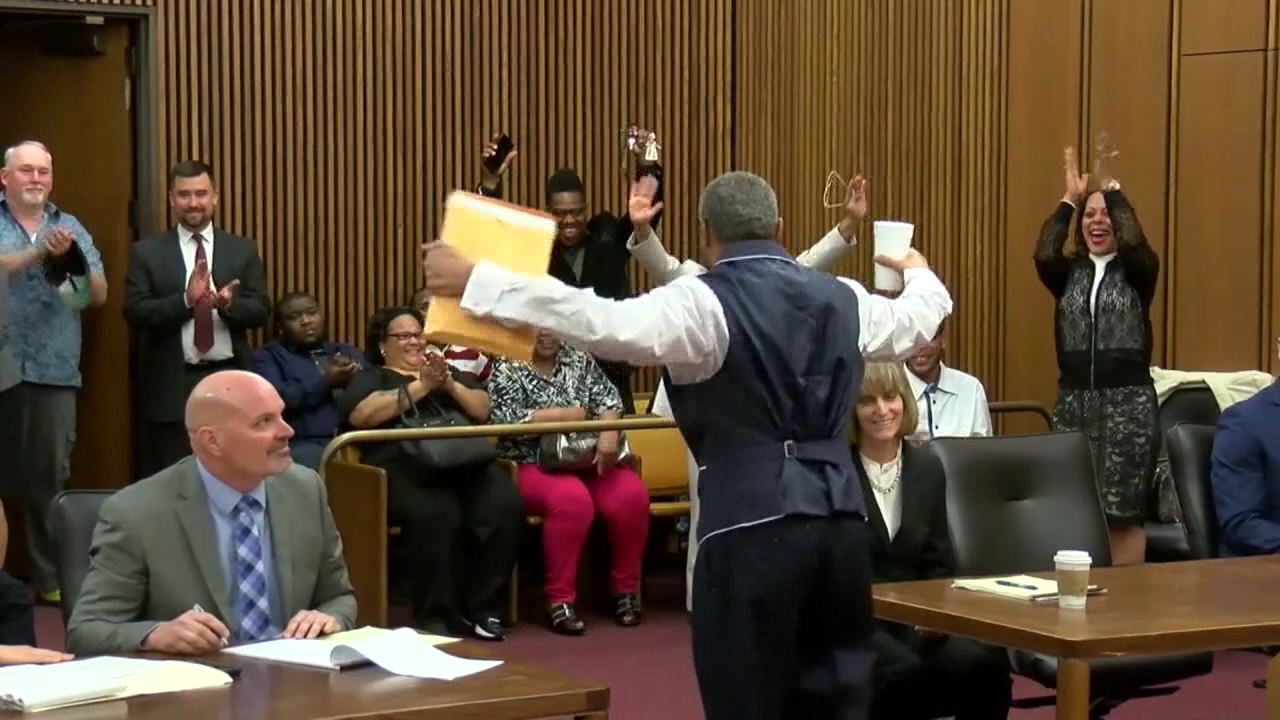 UC law students help free wrongly convicted man who was jailed for over 2 decades (WKRC)