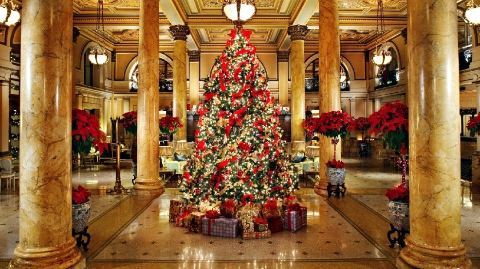 6 hotels with holiday decorations that are worth a visit for Christmas house inside decorations
