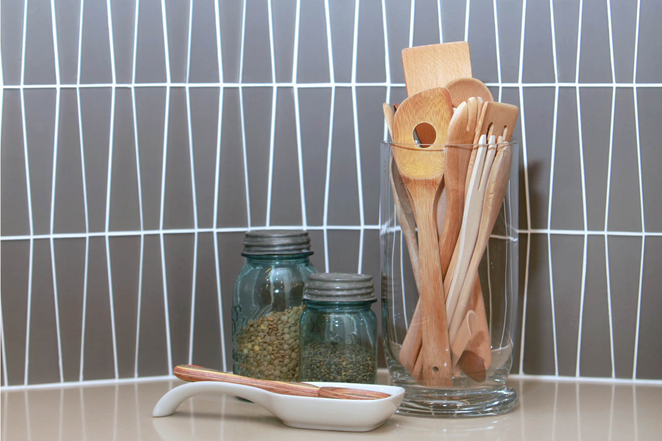 Greener Stock sources materials that are recycled or reclaimed and locally produced. From cabinets to wall coverings, they can find the perfect products to design your home in style while minimizing the impact to the environment. They also offer residential project management services to help owners and contractors during the building process. Their work can be found in kitchens, baths, offices, full houses, and restaurants. / Image: Laurie Nock Photography // Published: 2.6.20