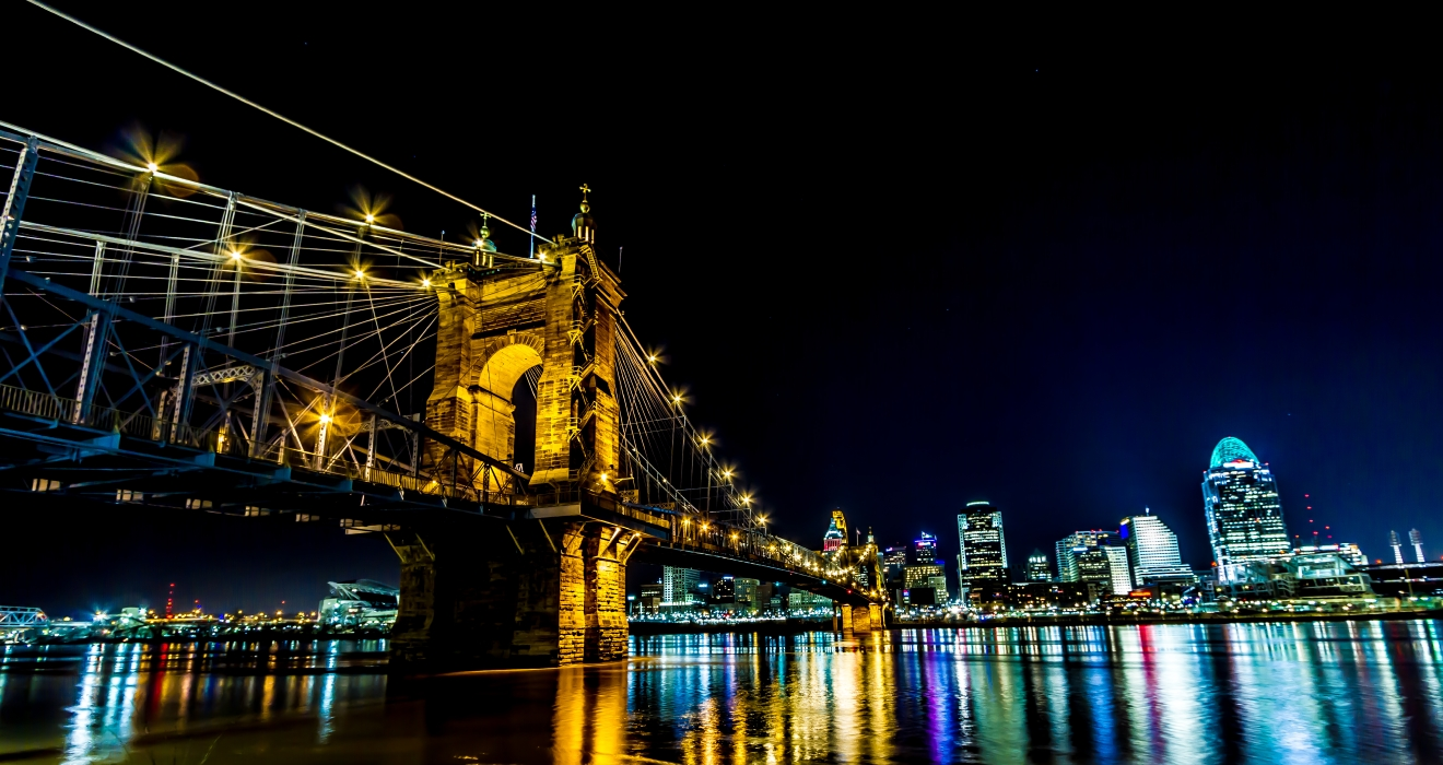 Roebling Bridge from Covington / Image: Amy Elisabeth Spasoff / Published: 12.19.16