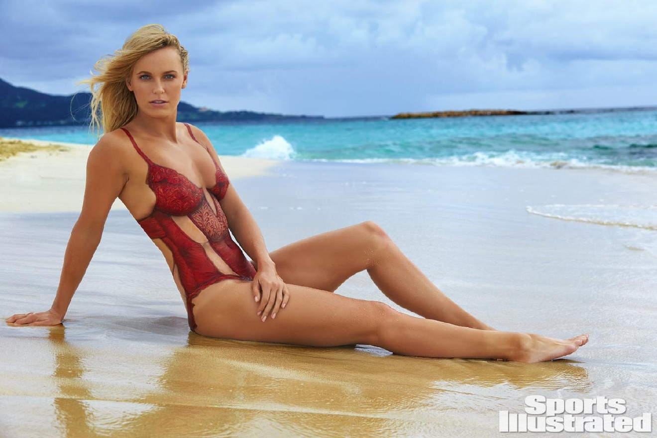 Caroline Wozniacki  in body paint for Sports Illustrated Swimsuit issue 2016 (Photo Credit: Sports Illustrated)