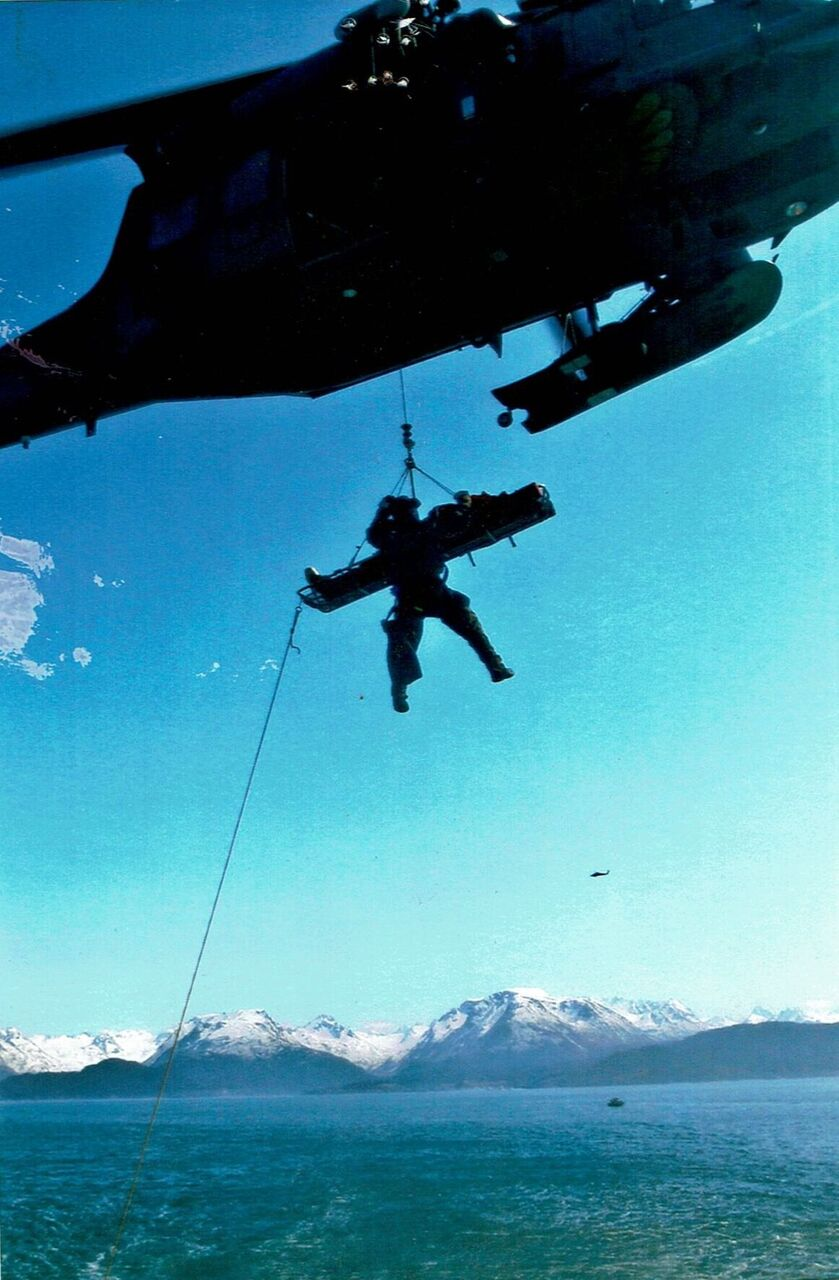 Hoist training in Kachemak Bay, Alaska. (Image: Courtesy of Nick Gibson)