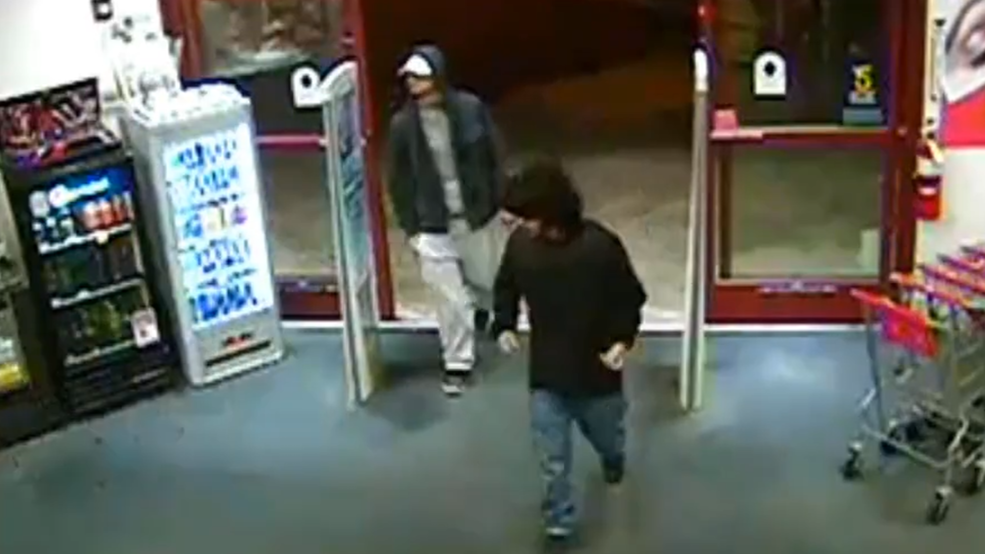 police looking for 4 men caught on camera stealing liquor from cvs