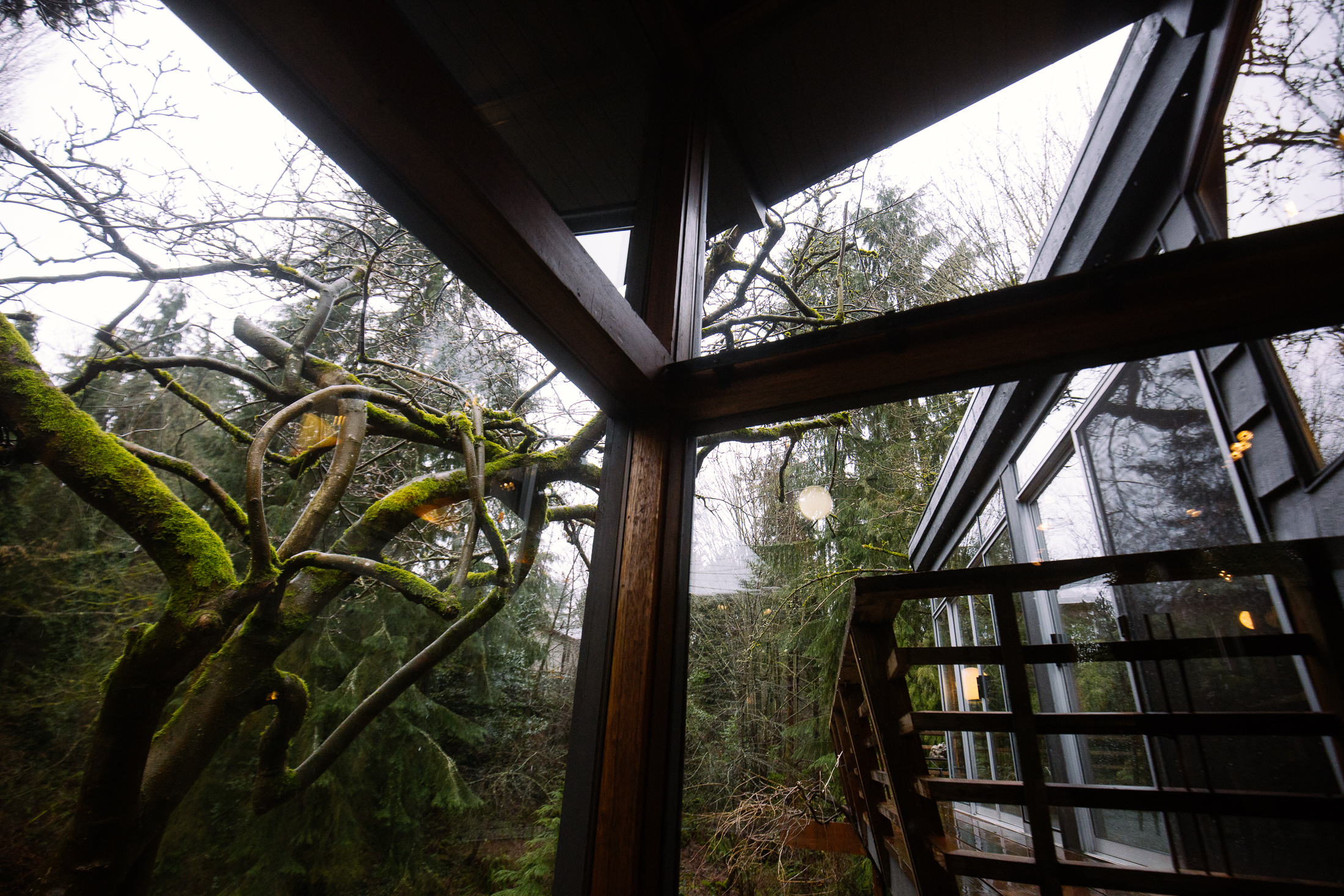 This 3+ bedroom, 2.5 bath mid-century home was designed in 1952 by Albert Fenwick Simonson. It was recently refashioned in 2016 by House Healers and features a collection of historical architectural artifacts showcasing a century of Pacific Northwest history.