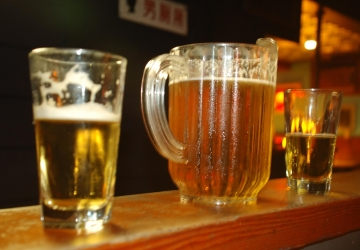 the 5 cheapest beer pitchers in town seattle refined. Black Bedroom Furniture Sets. Home Design Ideas