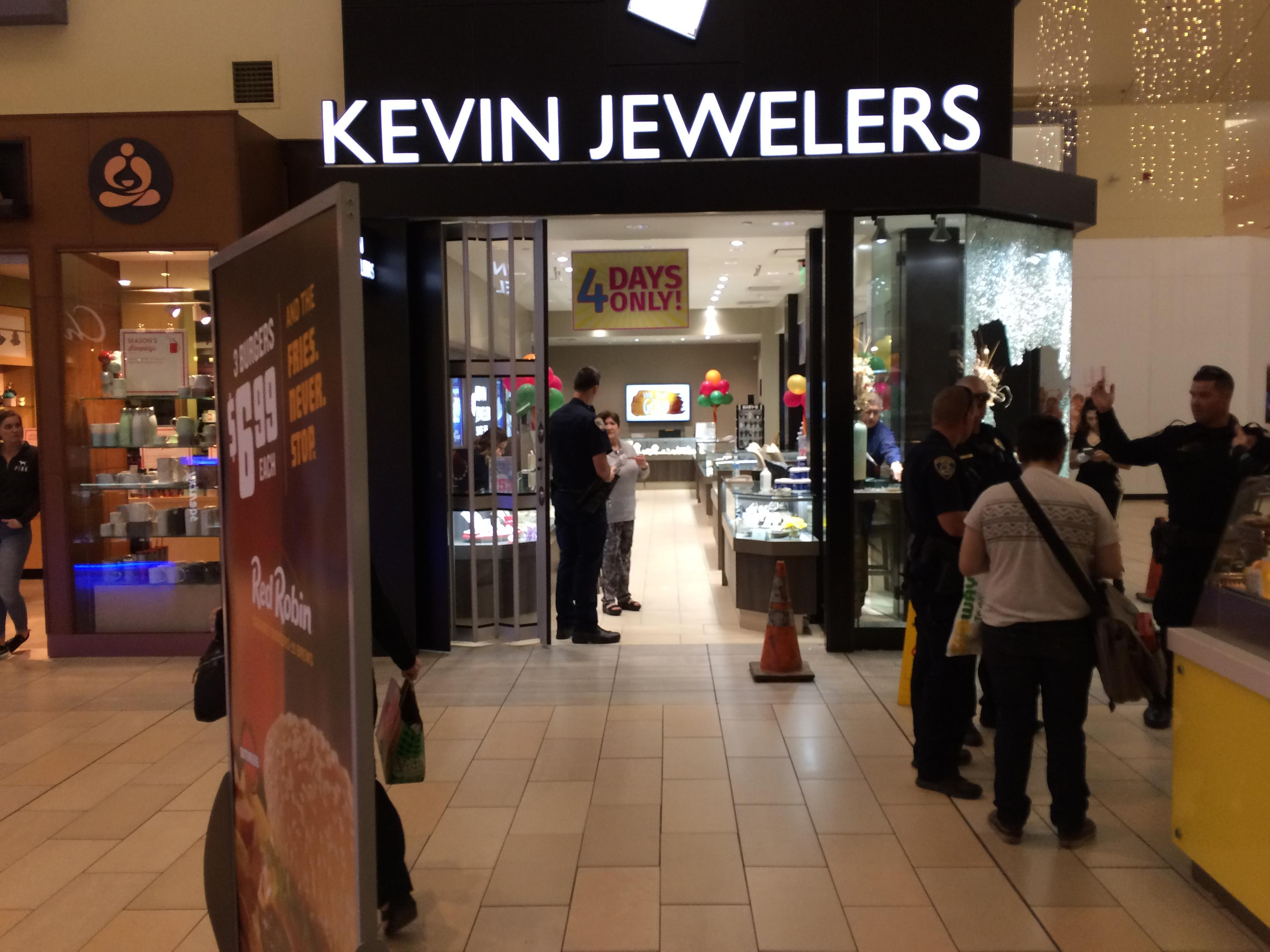 Police are on scene of a robbery Tuesday, Nov. 14, 2017, at the Kevin Jewelers store in the Valley Plaza Mall in Bakersfield, Calif. (KBAK/KBFX photo)