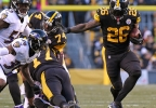Ravens Steelers Footb_Tow5n.jpg