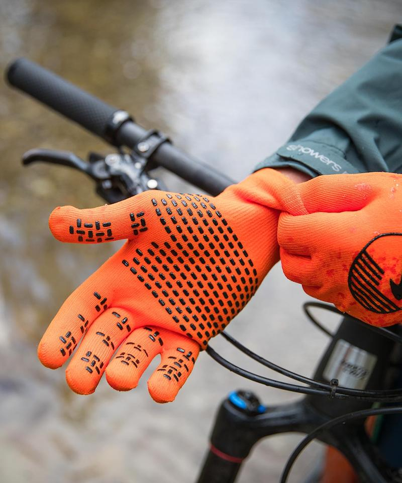 Crosspoint Waterproof Knit Gloves Lifestyle (Image: Courtesy Showerpass)<p></p>