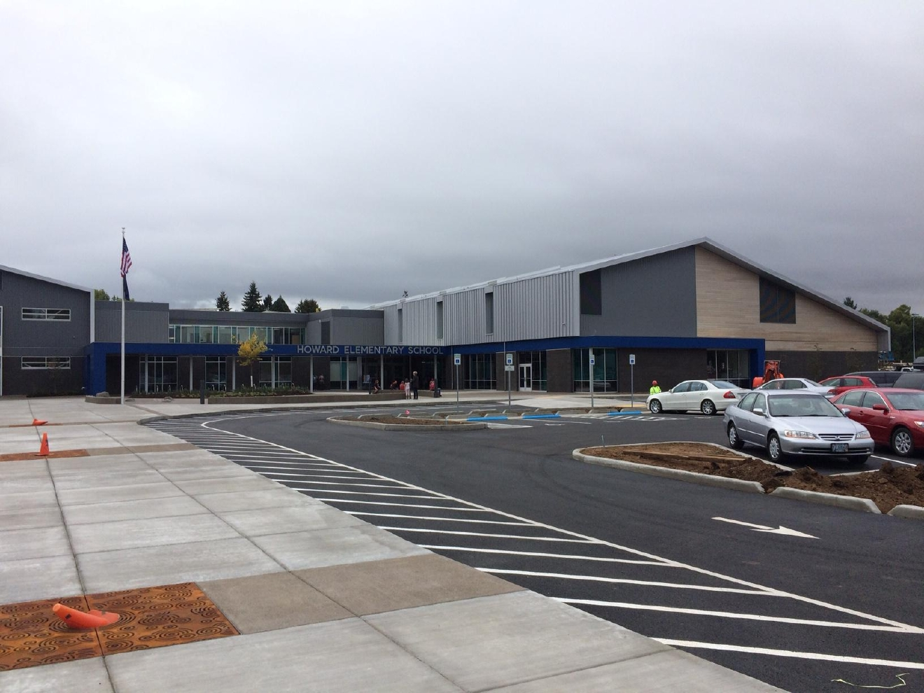 New Eugene School Opens To Public For Tour Kval