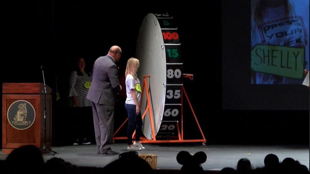 Game show kicks off school year for staff in Cape Girardeau (Source - Rob Foote, KFVS).jpg