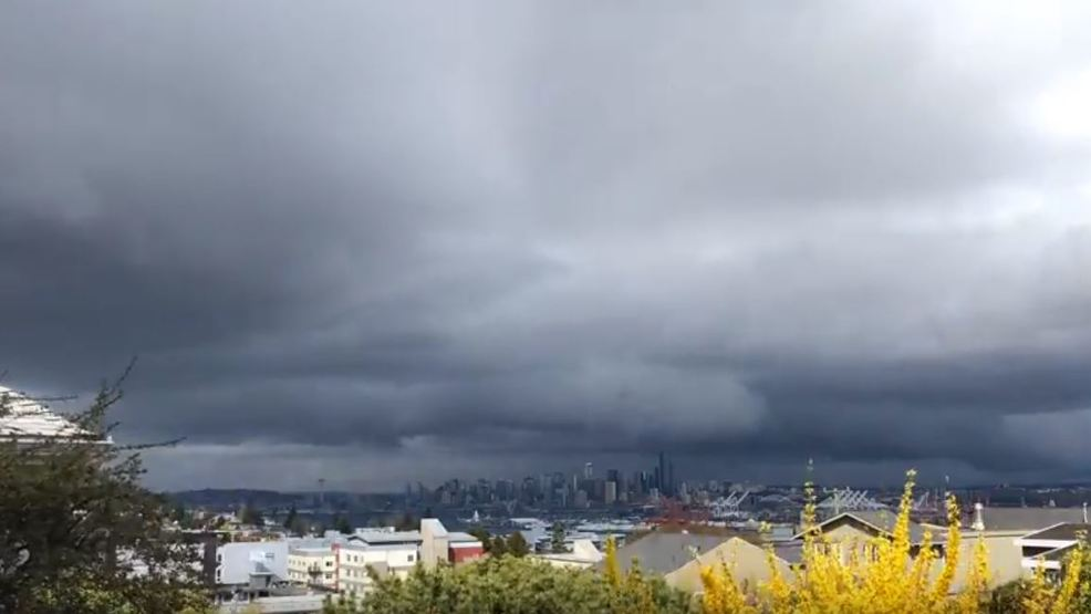 Watch: Ominous shelf cloud blows over Downtown Seattle