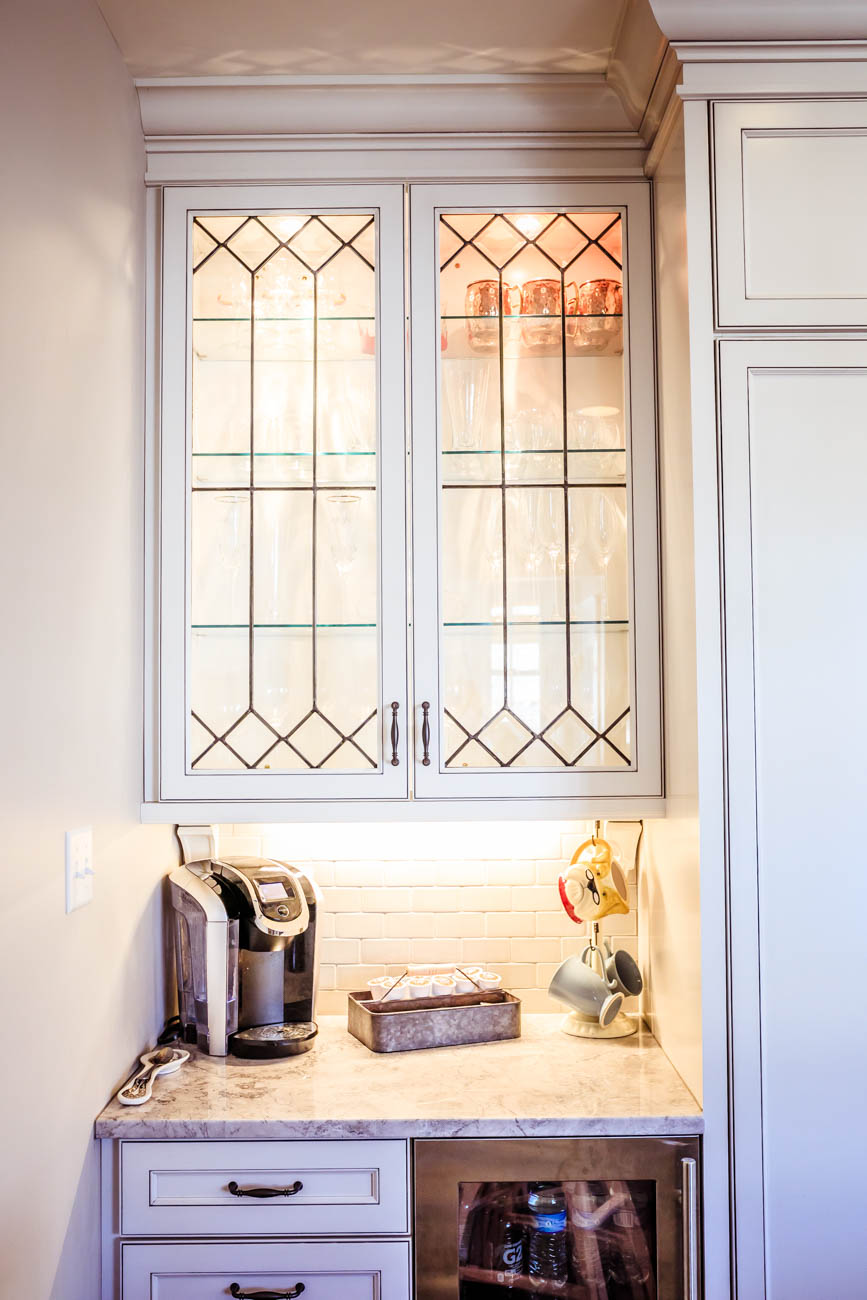 Cabinet doors were custom made by Norwood Glass / Image: Amy Elisabeth Spasoff // Published: 3.13.18