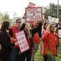 Rallying for a new contract: Westbrook teachers working without contract for year