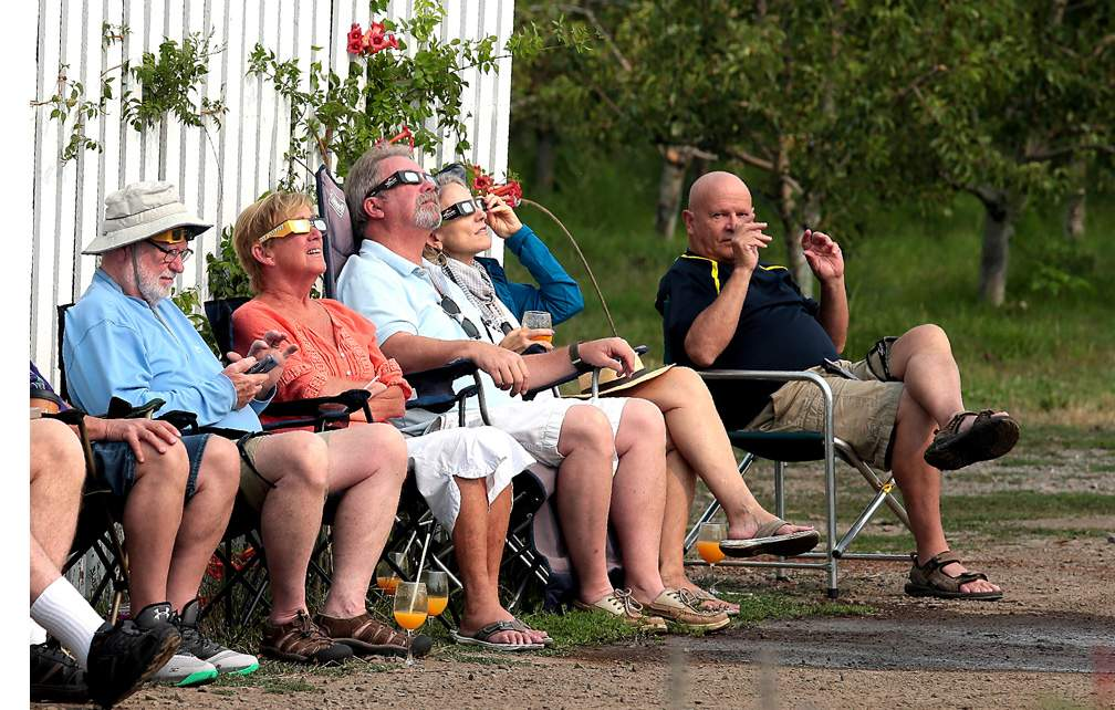 Eclipse viewing at Roxy Ann Winery in Medford. Photo by Larry Stauth, Jr.